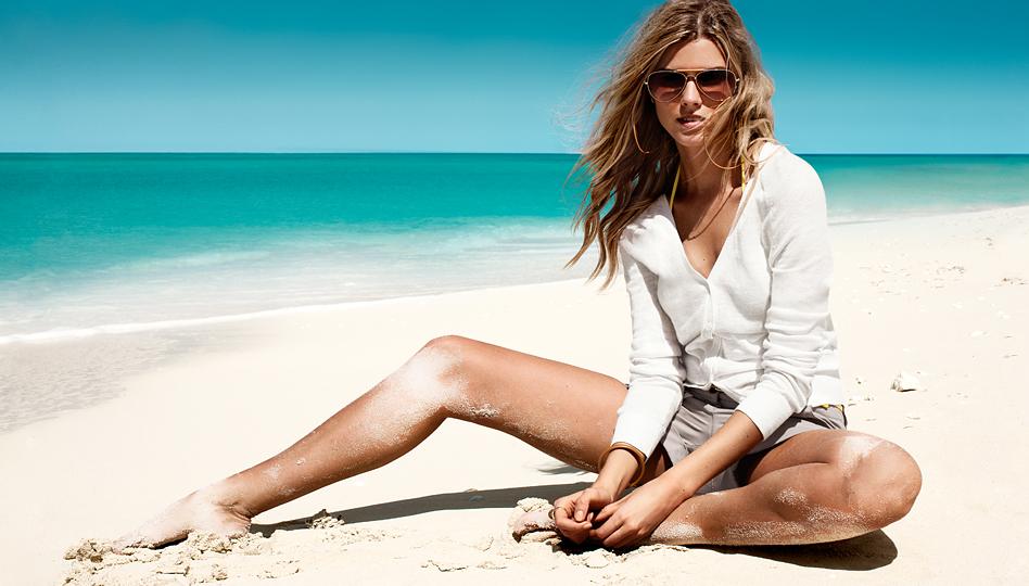 Позы для фотосессии девушки на пляже